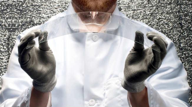 gorilla glass-3d-ces-2014-avrmagazine