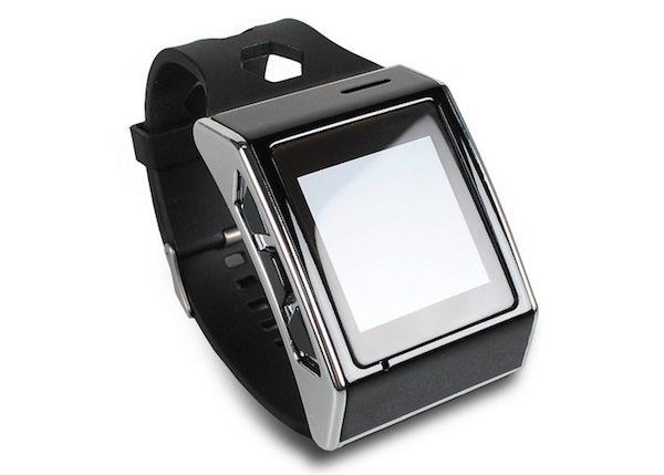 Exetech-XS-3-Smartwatch-avrmagazine