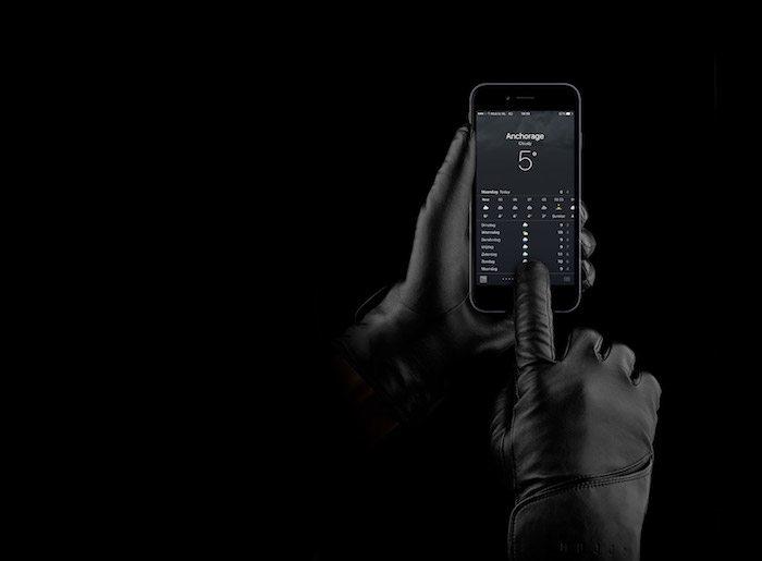 Guanti in pelle Mujjo per iphone avrmagazine 2