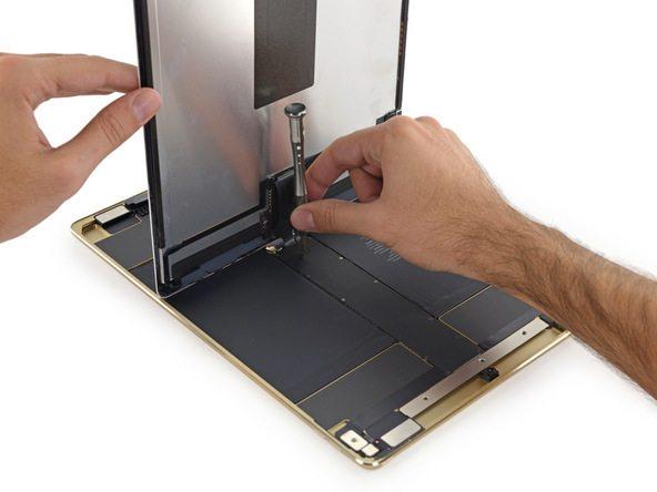 iPad Pro teardown ifixit avrmagazine 2